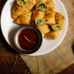 cheesy spinach samosa